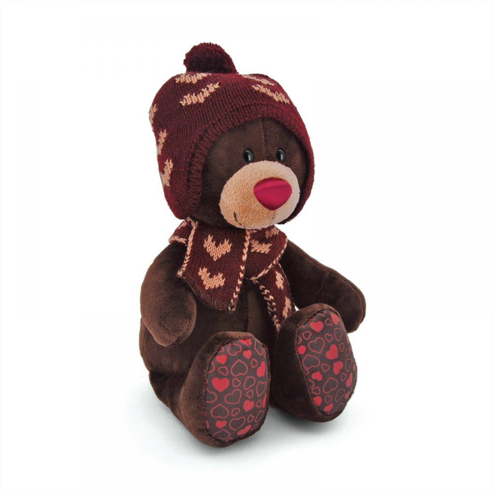 Choco сидячий в вязаной шапке с сердечками 25см