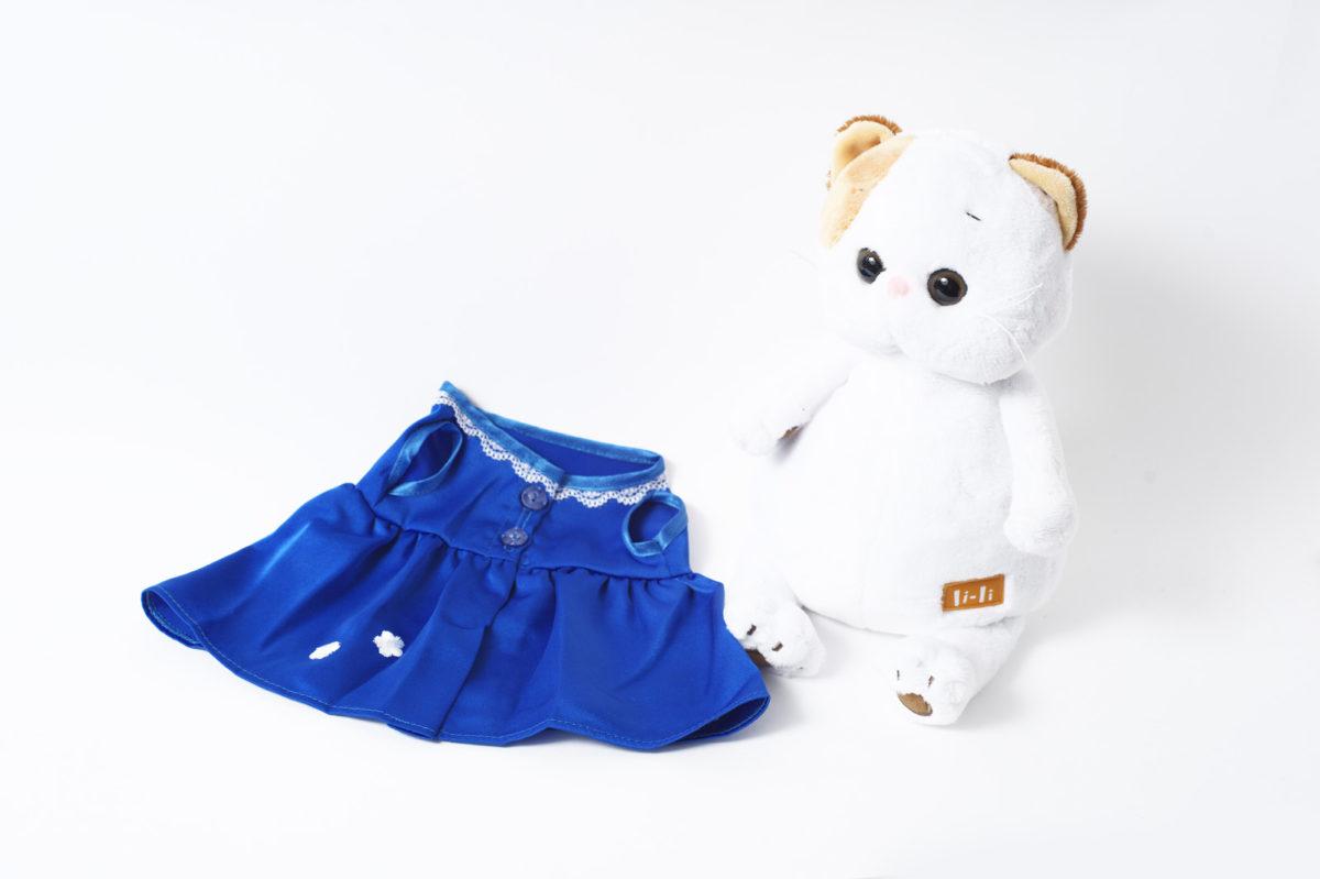 Платье синее с белым цветочком на подоле