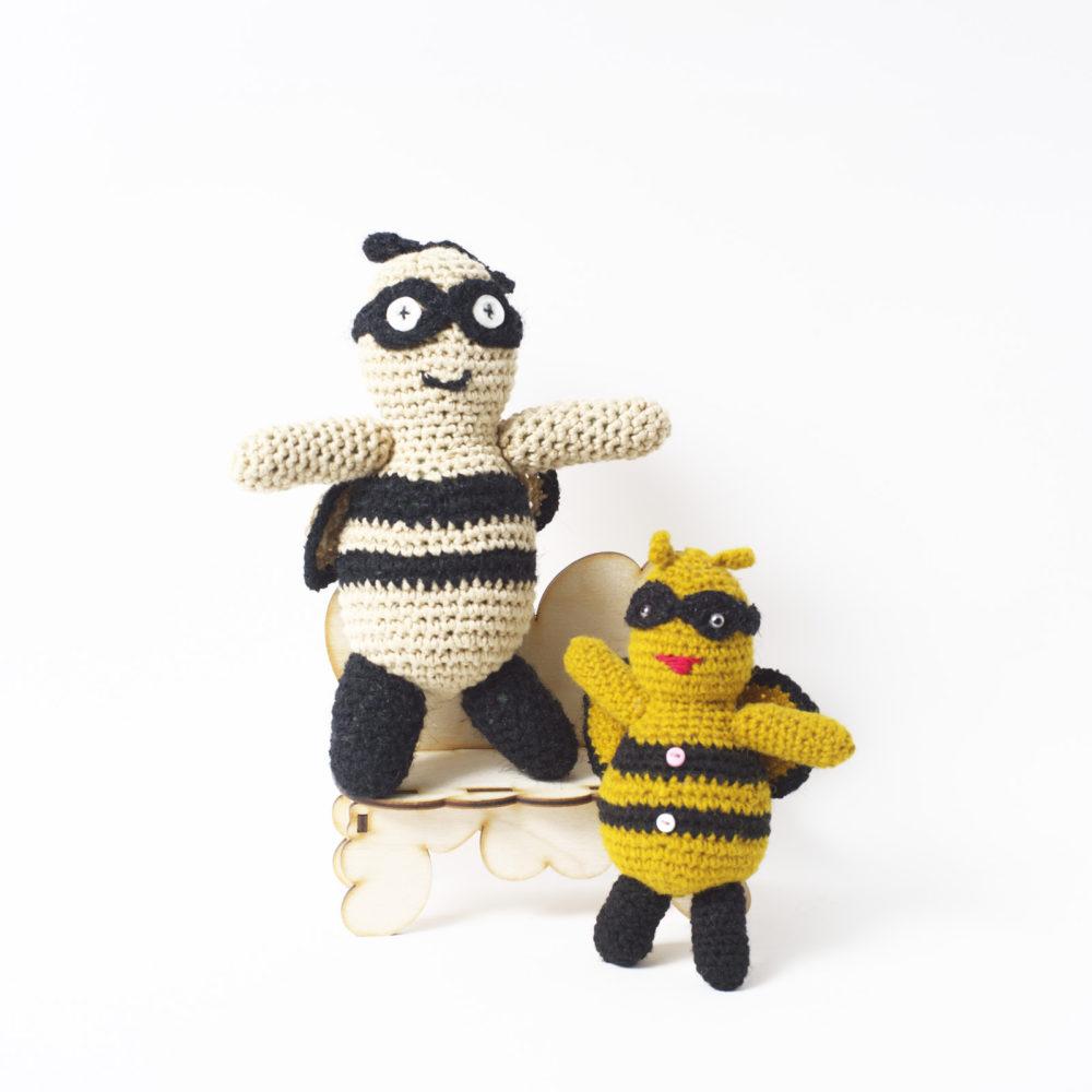 Пчелы. Цена по акции за 2 штуки