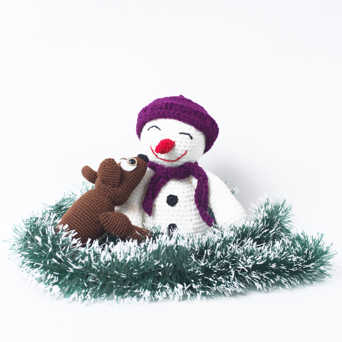 Снеговик с оленёнком по спец цене