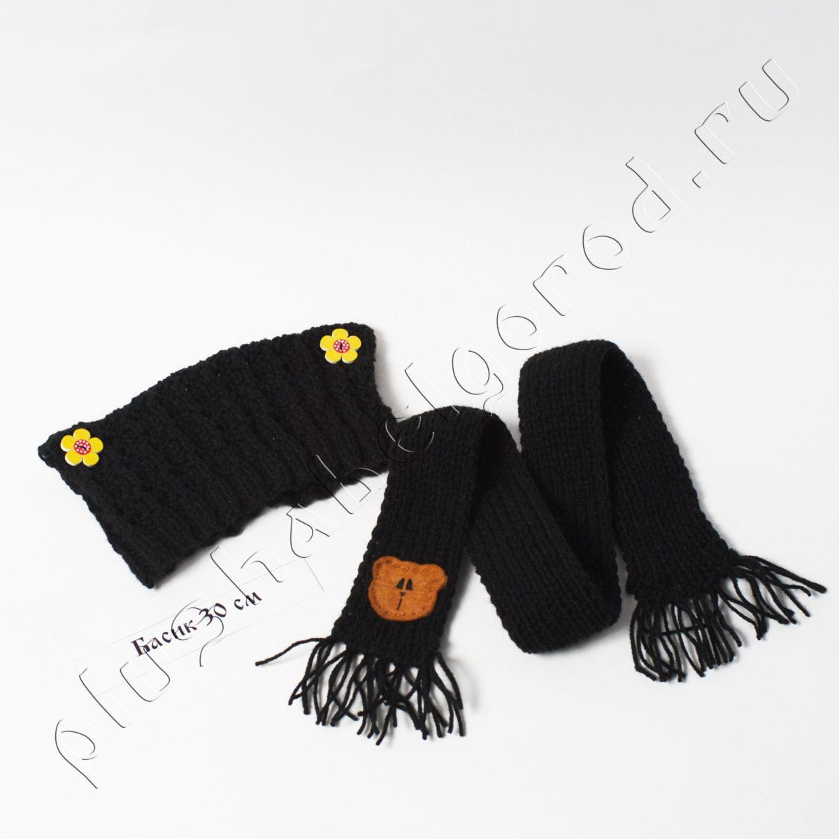 Шапочка чёрная с цветочками и шарф
