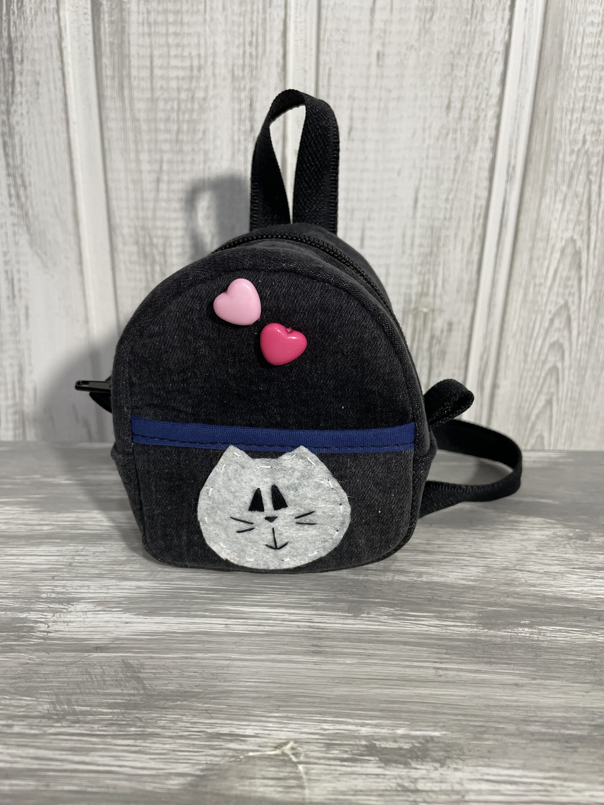 Рюкзак джинсовый 7/10 см с котиком и сердечками